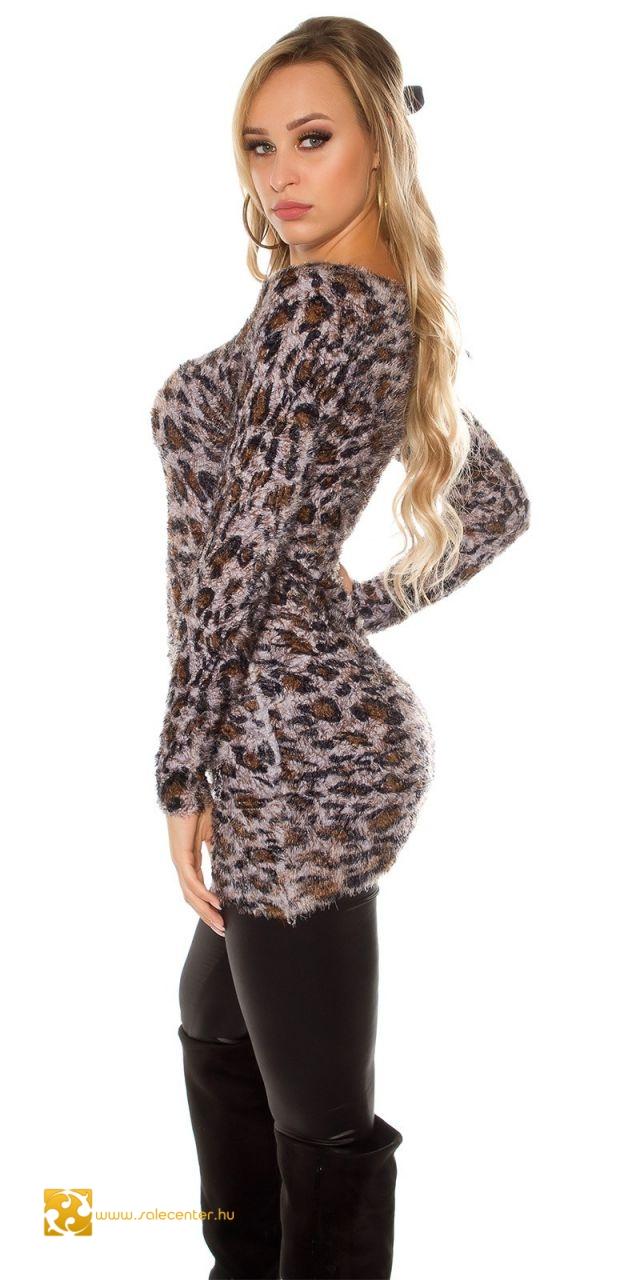 Szőrmés anyagú pulóver párduc mintával 3 színben